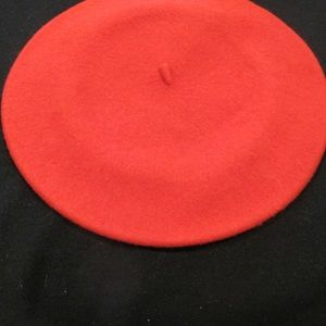 Beret hat in Red